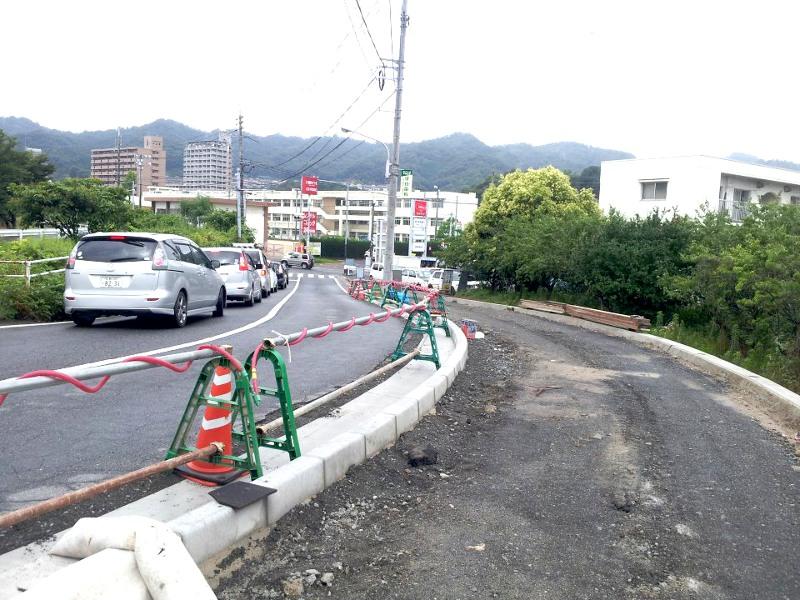 20120701県道中山2