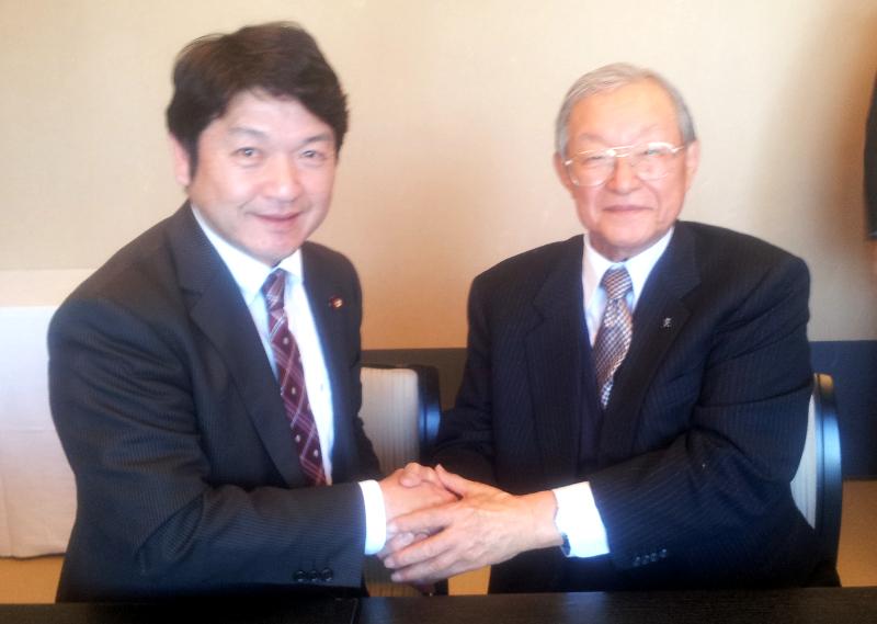 元防衛大臣の谷川和穂先生
